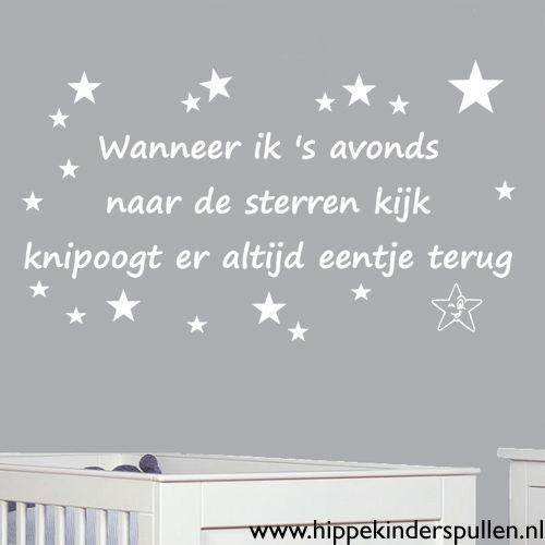 Een mooie muursticker sterren voor in de kinderkamer 100 cm breed. Een lieve tekst en allemaal sterren erbij.