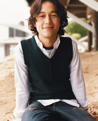 JOSEPH GORDON-LEVITT... Omgosh he looks so young in this picture... I LOVE HIM .... <3