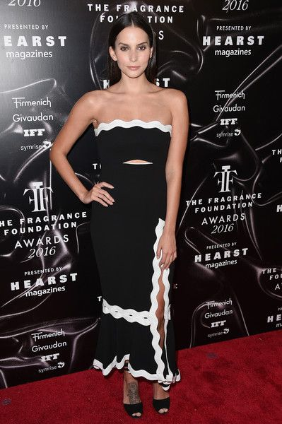 Actress Genesis Rodriguez attends the 2016 Fragrance Foundation Awards presented by Hearst Magazines on June 7, 2016 in New York City.
