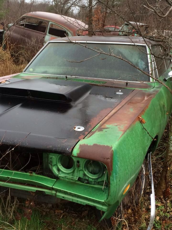 883 best The Forgotten images on Pinterest | Abandoned cars ...