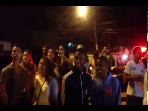 Vídeo: Humorista Gustavo Mendes sendo censurado e agredido em Búzios | Super Pérolas