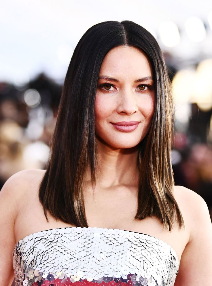 Olivia Munn Debunks Chris Pratt Dating Rumors In Must-Read Texts With Anna Faris http://r29.co/2DY25pF