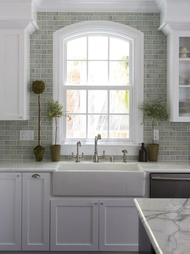 Farmhouse Sink With Backsplash : ... Farmhouse Kitchen Sink, Sinks Design, Farmhouse Sinks, White Cabinets