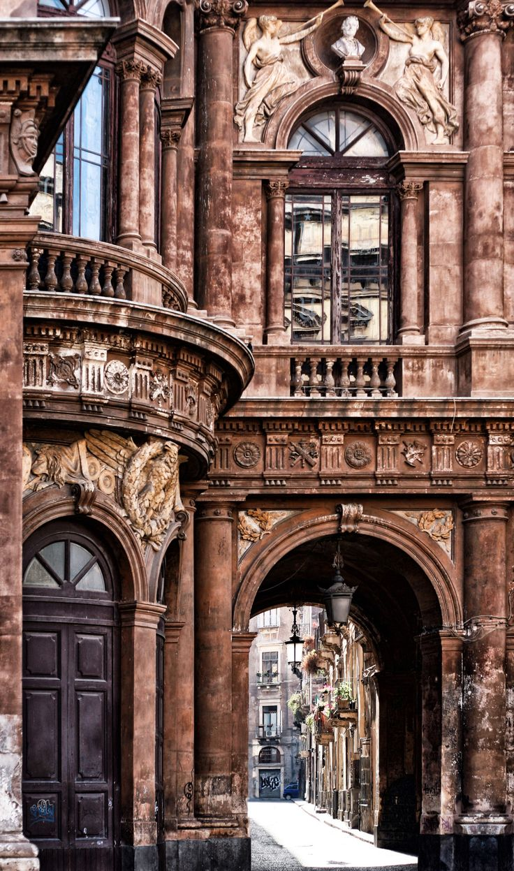 © Francesca De Paola, all rights reserved Catania, Sicilia. Italy                                                                                                                                                      もっと見る