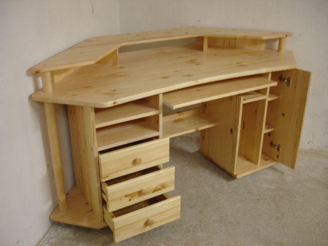 Corner computer desk - by Krisztian @ LumberJocks.com ...