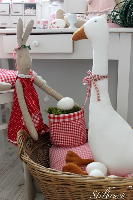 How cute....okay, more for Easter, but I love Maileg toys!