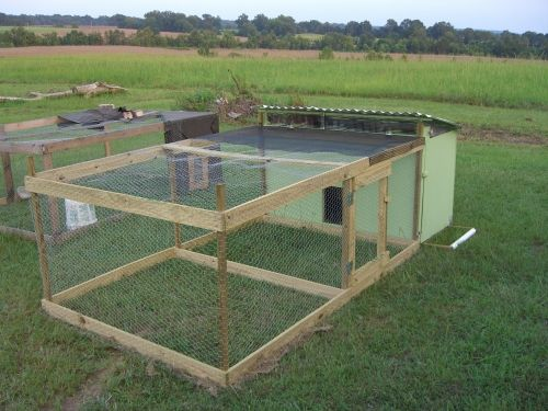 64 best images about chickens on pinterest chicken coop for Portable coop