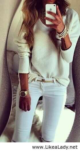 All white casual look Issues and Inspiration on http://fancytemple.com/blog Womens Fashion Follow this amazing boards and enjoy http://pinterest.com/ifancytemple