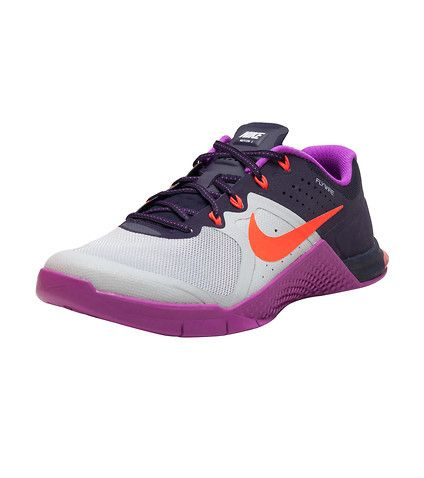 NIKE Metacon 2 sneaker Men's low top shoe Lace up closure Signature NIKE swoosh logo branding detail Padded tongue with NIKE logo branding Cushioned inner sole for comfort Traction rubber outsole for ultimate performance