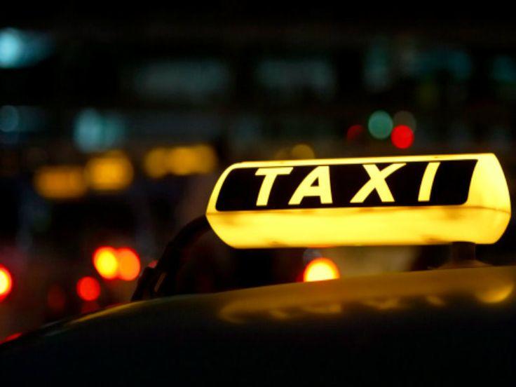 A ideia da iniciativa é despertar no taxista uma visão empresarial de si próprio. O custo do material é Catraca Livre.