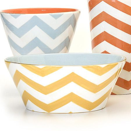 Color (lemon/slate) and chevron pattern for tray option