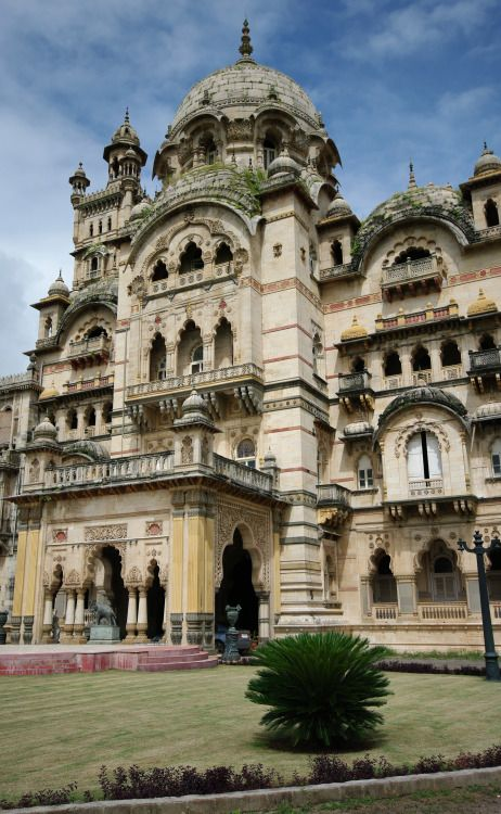 Laxmi Vilas Palace - Vadodara - India (byEmmanuel DYAN) IFTTT Tumblr