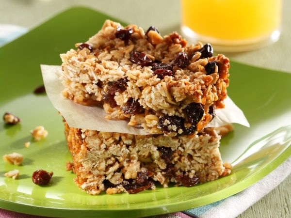 Sticky fruit muesli bars • This is a great snack to have anytime during the day.