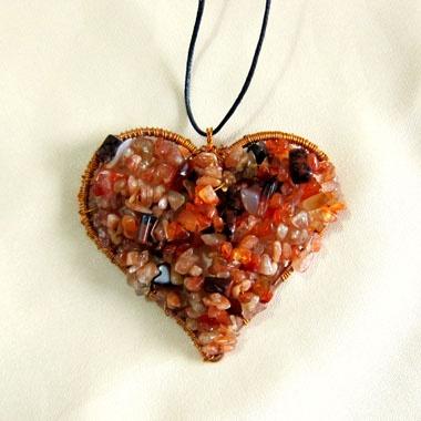Καρδιά απο σύρμα χαλκού και ημιπολίτιμες πετρούλες