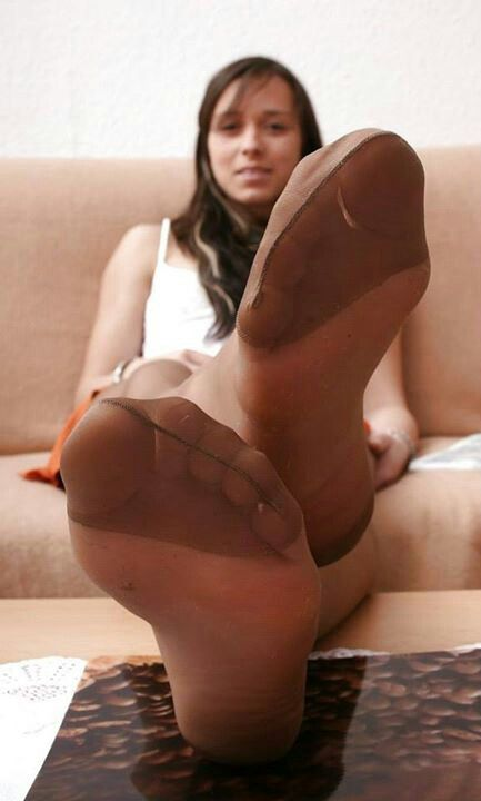 image Ebony hosed soles from the back
