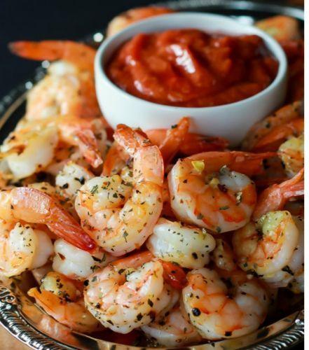 Recette facile de crevettes grillées avec la sauce cocktail!