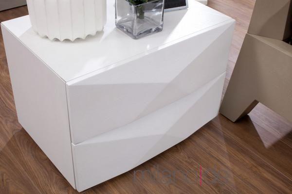 Κομοδίνα με δυνατότητα επιλογής είδους ξύλου (δρυς, καρυδιά, λάκα), απόχρωσης και διαστάσεων. Τα κομοδίνα Erin αποτελούν έπιπλα υψηλής ποιότητας και αισθητικής που θα πλαισιώσουν την κρεβατοκάμαρά σας. Δημιουργήστε το δωμάτιο που ονειρεύεστε με μοντέρνα έπιπλα σπιτιού που θα εντυπωσιάσουν.  https://www.milanode.gr/product/gr/1598/%CE%BA%CE%BF%CE%BC%CE%BF%CE%B4%CE%AF%CE%BD%CE%B1_erin.html  #κομοδινο #κομοδινα #επιπλο #επιπλα #μοντερνο #μοντερνα