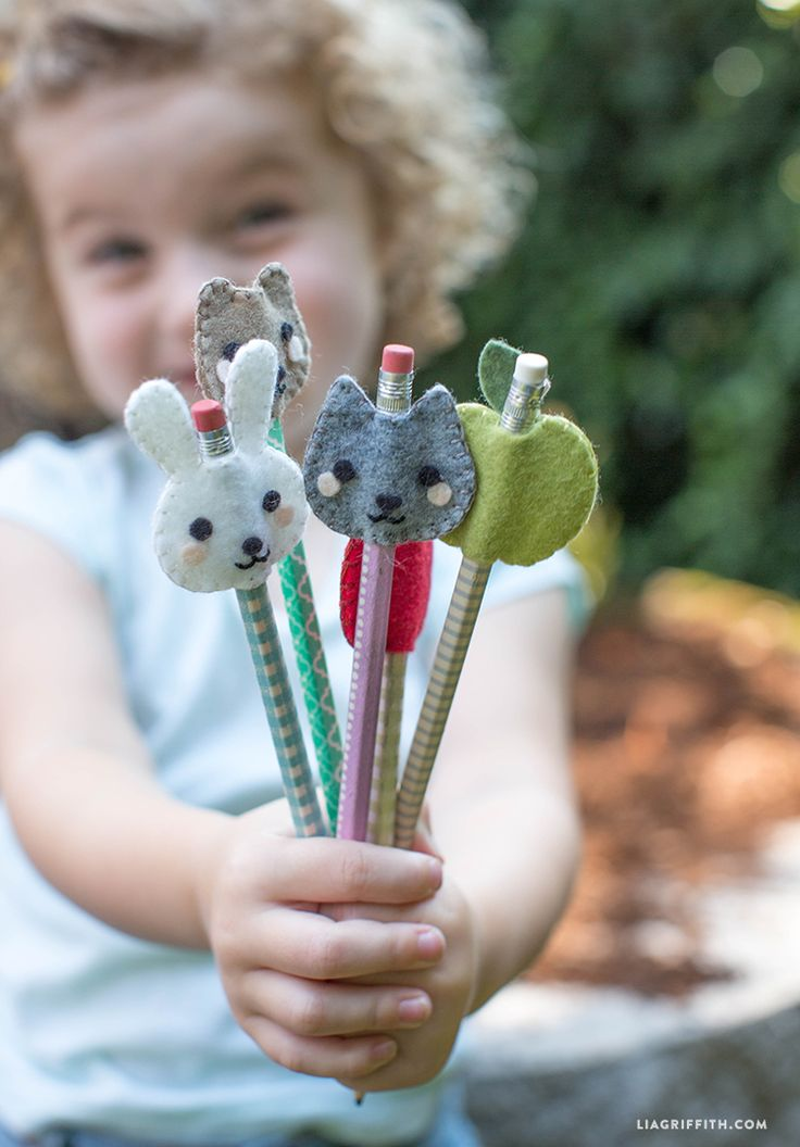 You and the kids can make these adorable felt pencil toppers using these fab patterns from handcrafted lifestyle expert Lia Griffith.