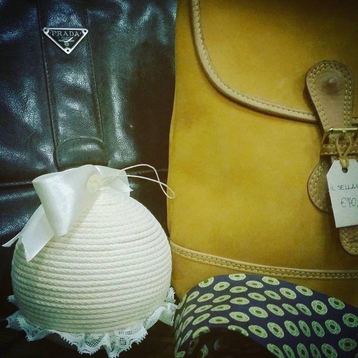 Vintage Market @ stazione gauss  #PRADA #pradabag  #instadaily #instagood #instagramhub #photooftheday #dreadlocks #dreadgirl #igdaily #instamood #bestoftheday #followme #picoftheday #igers #tweegram #igersitalia #beautiful #vintage #etsy #etsysellerofInstagram #etsyfind  #vintageshop #Style #italianJob #fashion #theitaliancabinet #moda #stazionegauss #vintagemarket