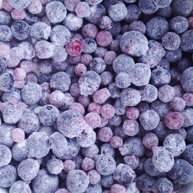 I'm cooking muffins with berries- today is a memory day for my dear granny Ida / пеку маффины с ягодами - сегодня первая годовщина памяти моей бабушки Иды #VSCOcam #vsco #vscofood #VSCOgrid #vscorussia #instafood #instagramrussia #food #foodie #berries #muffins #memory #family #pattern