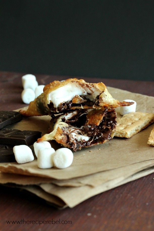 Easy S'mores Hand Pies -- wonton wrappers make these hand pies SO easy! Only 5 ingredients!