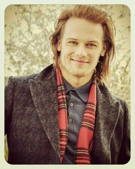 The ever lovable Sam Heughan. Great pic !!