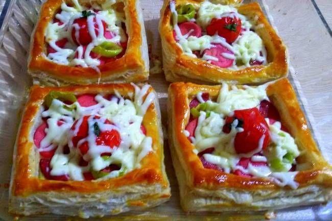Milföylü Çabuk Pizza Tarifi Tarifi ve Sizden Gelenler