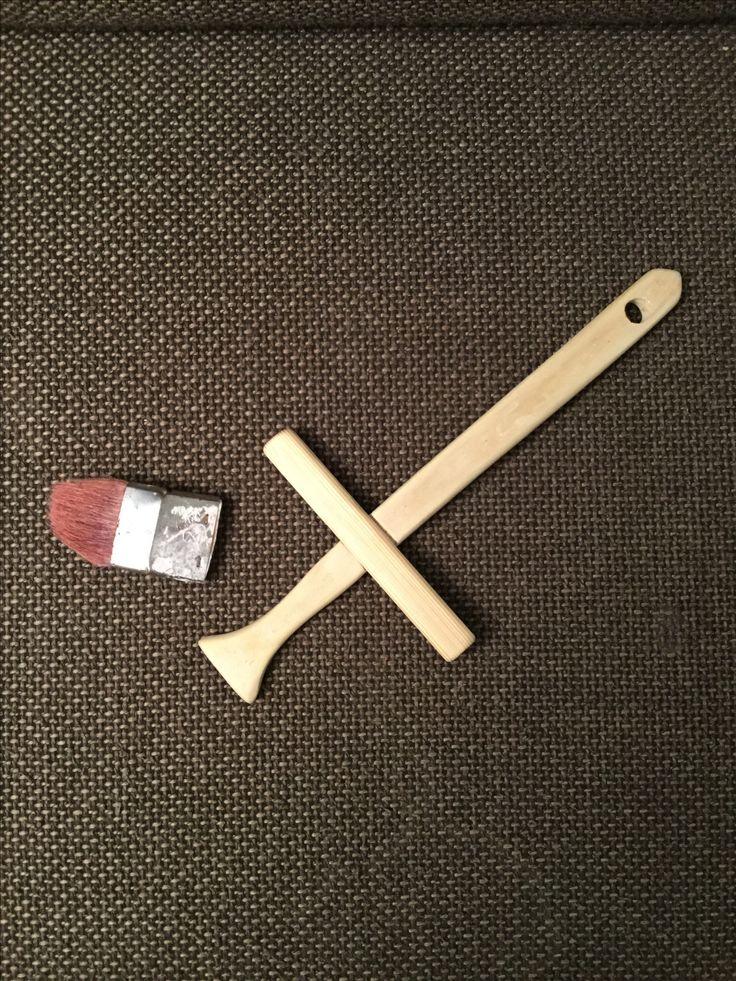 Eben noch ein Pinsel, jetzt schon ein Ritterschwert #upcycling #schwert #ritter #lastminute #fastnacht #fasching #karneval #holzspielzeug #basteln