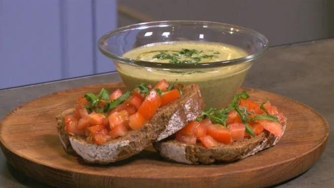 Courgettesoep met bruschetta - 24 Kitchen