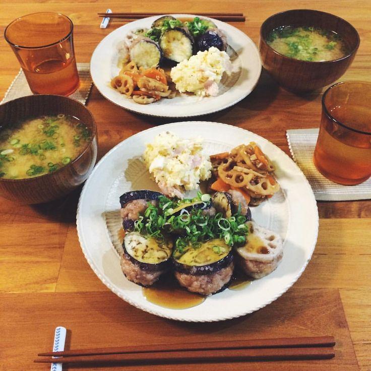 晩ごはん🍙 茄子とれんこんとひき肉のはさみ揚げ、ポテトサラダ、れんこんキンピラ、じゃがいもとにんじんのお味噌汁🍚  台風こわかった😨🌀今日は休みだったのでひたすらのんびり料理🍽旦那さんもはやく帰ってこれた☺️よかた♡  #晩ごはん#晩ご飯#うちごはん#おうちごはん#手料理#手作り#器#小石原焼 #暮らし#ふたり暮らし #dinner