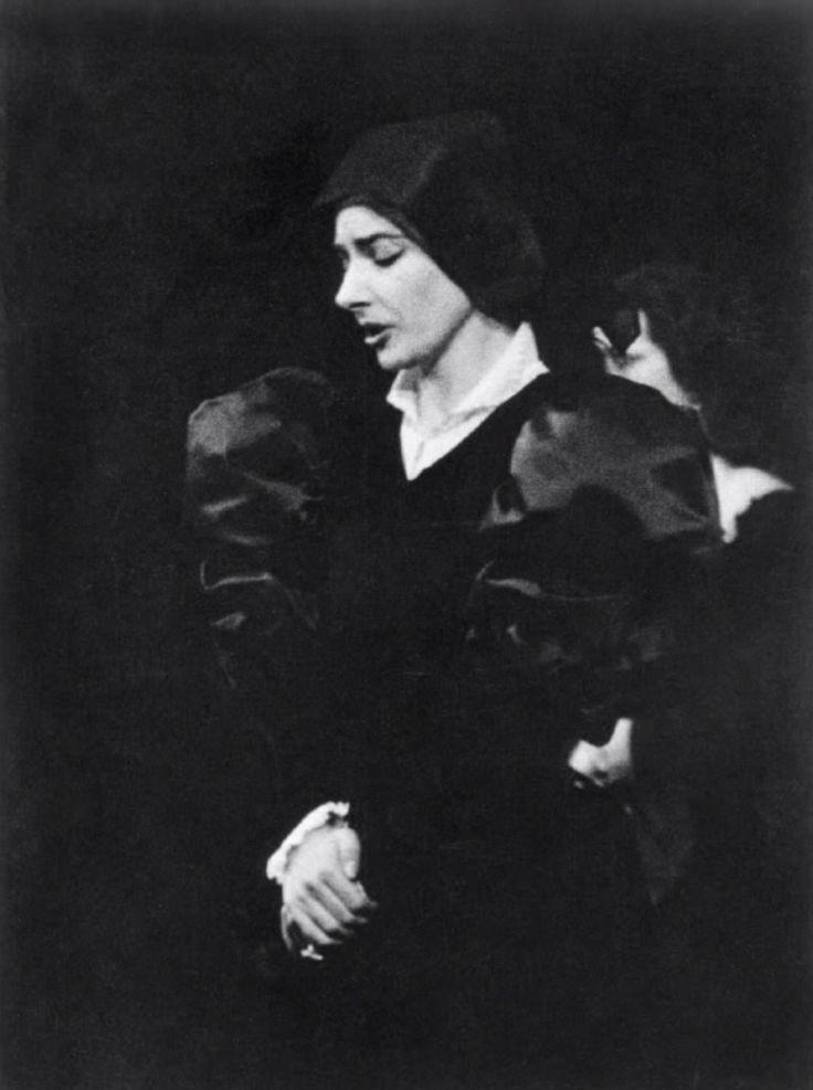 Maria Callas in Donizetti's Anna Bolena (736 x 987)