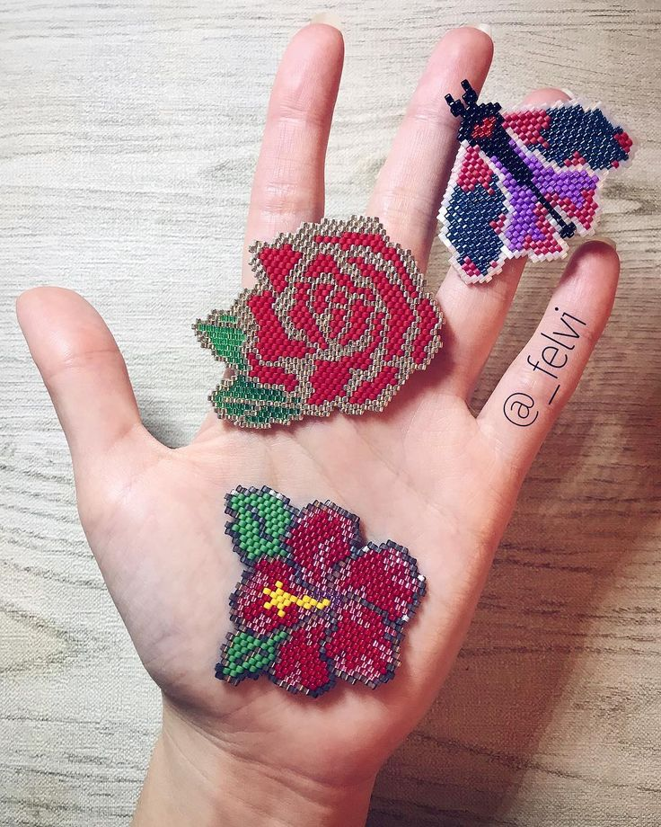 hey everybody ^^ • Beautiful flowers available for order in my store @etsy • link in bio . . . . . . #designbyfelvi #moth #brickstitch#miyukiaddict#デリカビーズ#design #handmade #etsy #miyukidelica #beadwork #brooch #butterfly #jewerlydesign#handmadejewelry #beads #брошьизбисера #beautiful #pixelart #handmadebrooch #beadswork #harajukufashion #flower #harajukustyle #hibiscus #redrose #брошьцветок