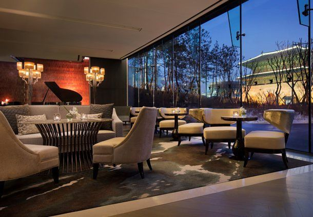 Lounge bar in Seoul hotel