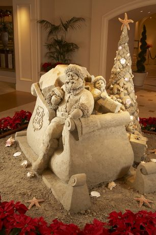 Santa Sleigh Sand-Sculpture.