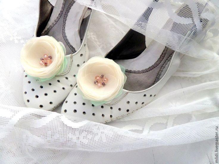 """Купить Броши, заколки для туфель"""" Завтрак у Тиффани"""" - цветы клипсы туфли, выпускной украшение"""