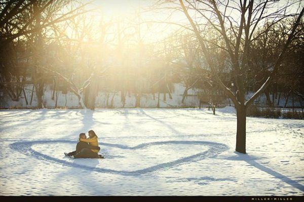 Winter Picnic Photo Shoots | Intimate Weddings - Small Wedding Blog - DIY Wedding Ideas for Small and Intimate Weddings - Real Small Weddings