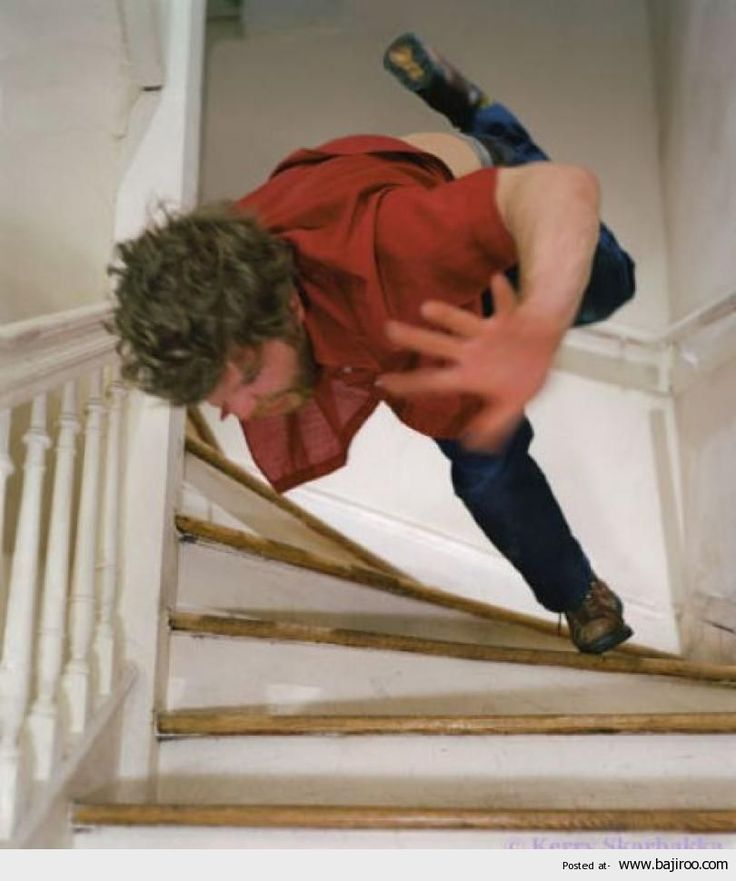 Funny Fail: People Falling Down Stairs (12 Images)