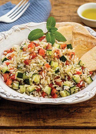 Sí buscas darle un toque diferente a la hora de la comida, esta receta de taboulé de arroz jazmín, es buenísima. La comida libanesa en tu mesa.