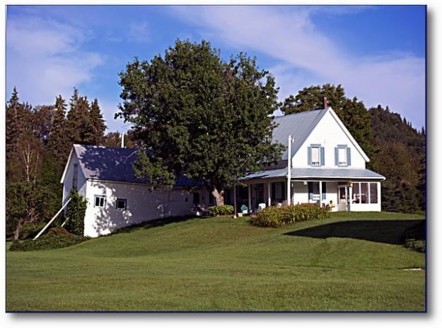 Hobby farm 40 acres with house and barn - escumanac: Farms Houses, Dreams Houses, Barns Houses, Farmhouse Ideas