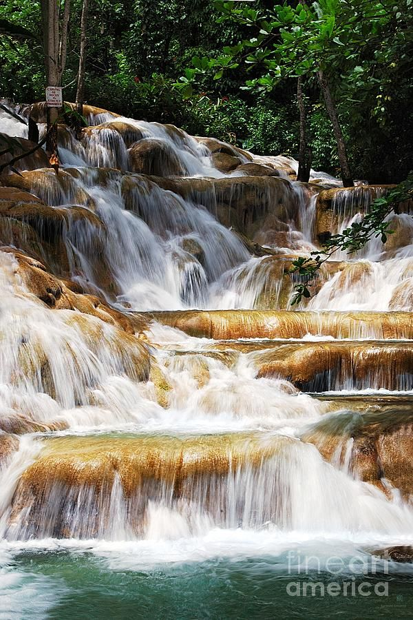 Things to Do on a Luxe Vacation to Jamaica - Take an excursion to Dunn's River Falls #CCLuxe cheapcaribbean.com