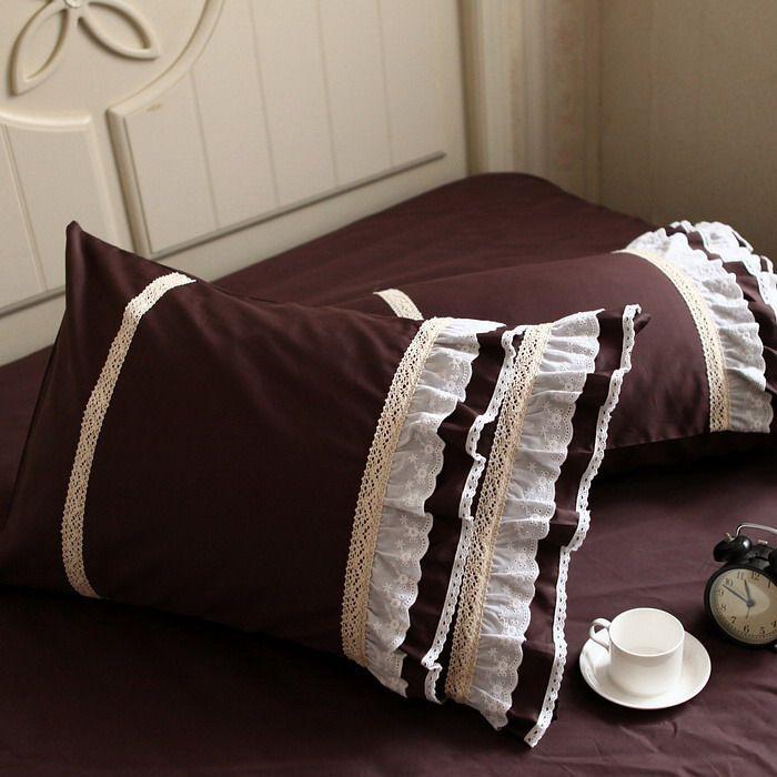 Роскошные кофе темно коричневый цвет постельные принадлежности рябить ЕВРОПА вышитые белые кружева шлифования хлопок bedskirt 4 шт. набор мужчины главная duvetcoverкупить в магазине Queen King Bedding Set наAliExpress