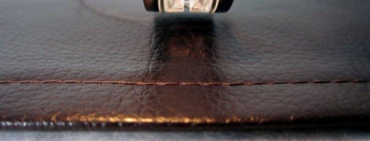 {Tuto} Surpiquer du simili cuir sans pied spécial - avec du papier cuisson. explications claires. :)