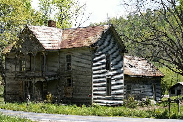 Abandoned farmhouse in Haywood County, NC