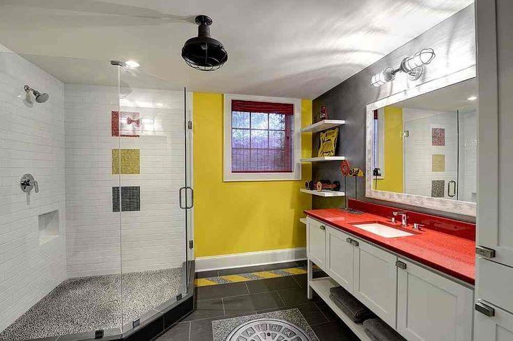 Модные и освежающие: серые и желтые ванные комнаты