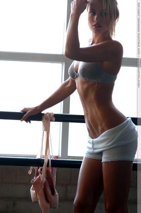 Nicky Whelan. Beautiful dancer body