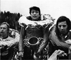 1975 ザルツブルクで初めてGP500を制した金谷秀夫は、チームメイトのジャコモ・アゴスチーニがホッケンハイム、イモラと連勝し調子を上げてくると、マシン開発を優先するチームの要請に応えて帰国。タイトルはアゴスチーニのものとなったが、すでに45ポイントを獲得していた金谷も堂々のランキング3...