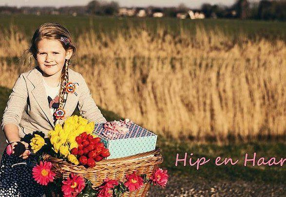 Bijna Koningsdag en daar horen ook weer leuke haaraccessoires bij in de kleuren roodwitblauw en oranje #koningsdag #koningsspelen #nederland #hollandsmeisje #haaraccessoires #hipenhaar