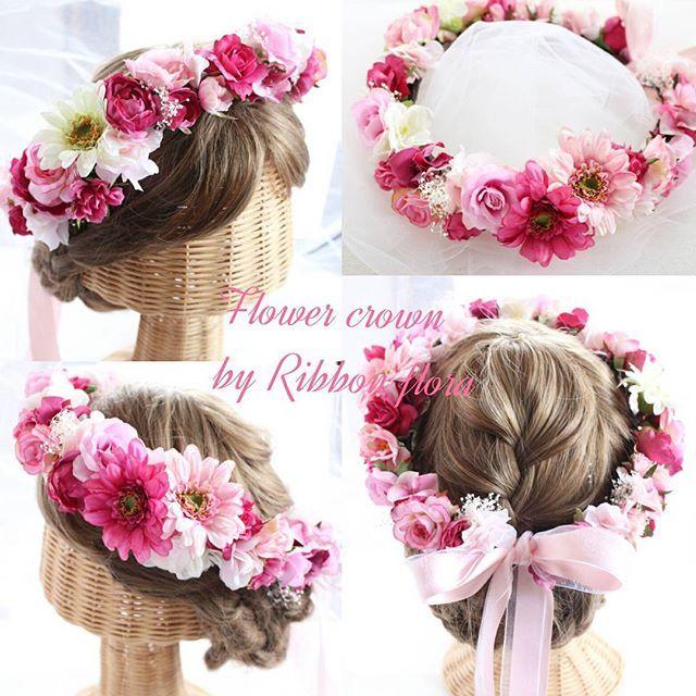オーダーメイド☆ 花冠☆ リボンの2色使いはオプションでお作りさせていただきました(*^_^*) ピンクのグラデーションは花嫁さまに大人気です❤ こちらの花冠は太さ約4㎝☆様々な大きさのお花をミックスして華やかな花冠をお作りさせていただいております☆ Mail:info@ribbonflora.com #リストブーケ#リストレット#ヘッドパーツ#髪飾り#花冠#アーティフィシャルフラワー#プレ花嫁#結婚準備#ラプンツェルヘア#海外挙式#ribbonflora#ヘッドアクセサリー#結婚式#ヘッドドレス#ウェディング#ハワイウェディング#沖縄ウェディング#和装#ガーデンウェディング#ラウンドブーケ#ウェディングフラワー#フラワー教室奈良市#フラワーレッスン#成人式髪飾り#成人式#クラッチブーケ#日本中のプレ花嫁さんと繋がりたい#全国のプレ花嫁さんと繋がりたい#リングブーケ