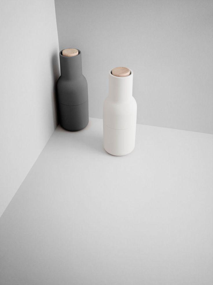 """The Salt to my Pepper - Salz schenkt man zum Einzug – und vielleicht auch zur Hochzeit? """"Bottle Grinder"""" von Norm Architects für Menu. 69 Euro über menu-design-shop.de.  (Foto: Menu)"""