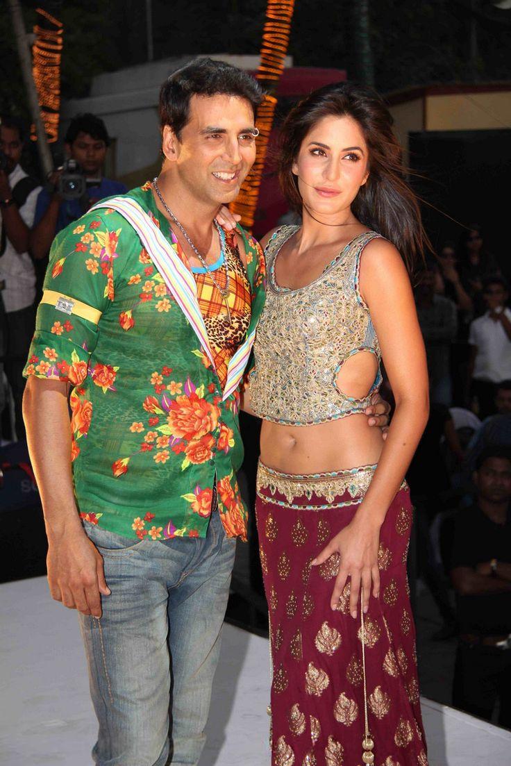 Bollywood, Tollywood & Más: Katrina and Akshay tees maar khan music concert